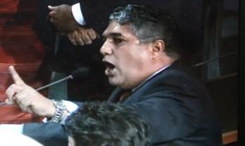 Rosemberg Pinto registrou candidatura e talvez entendeu não ter chance de vitória e pediu a retirada do seu nome para tentar barrar cargo de Nilo na Justiça.