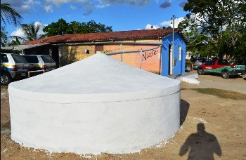 Cisterna para armazenar 16 mil litros de água.
