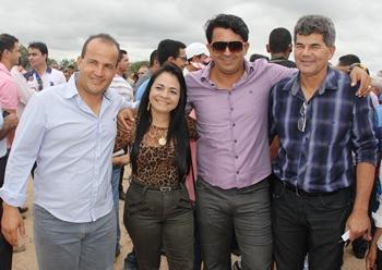Sidnei, deputada Moema Gramacho, empresário Ataíde e deputado Gika Lopes.