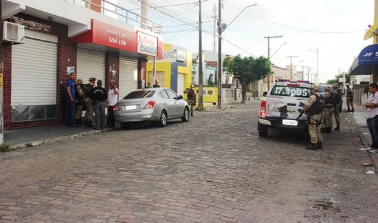 assalto a joalheria - 1 - foto - Raimundo Mascarenhas