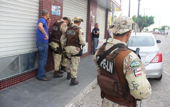 assalto a joalheria - 2 - foto - Raimundo Mascarenhas