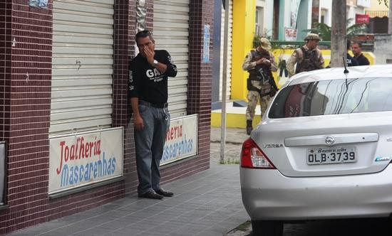 assalto a joalheria - 7- foto - Raimundo Mascarenhas