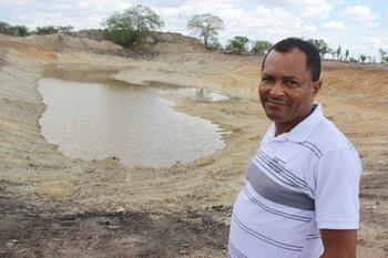 Zé Hamilton garante que a região está bem servida e agora é só esperar que Deus mande muita chuva.