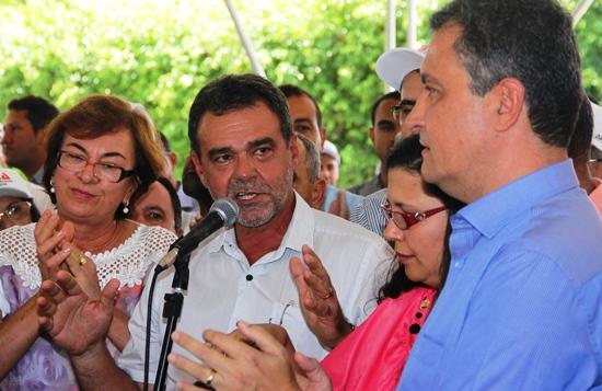 Daniel disse que tinha importantes atividades em Brasilia, mas não podia deixar de marcar presença na inauguração em sua terra natal.
