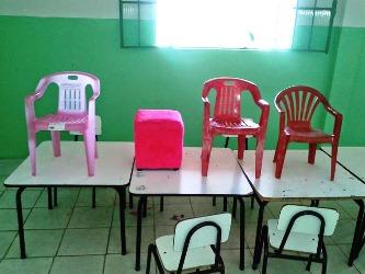 Segundo os vereadores tem pais que levam cadeira para os filhos sentarem.