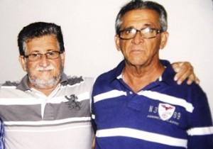 Foto reproduzia pelo CN de um mural montado na prefeitura. De barba grisalha Toinho abraça Nafitel.