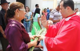 Dalva disse que vai deixar guardado parte do ramo e outra levar para os filhos em Santos - SP