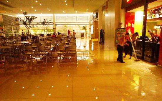 Praça de Alimentação do Shopping