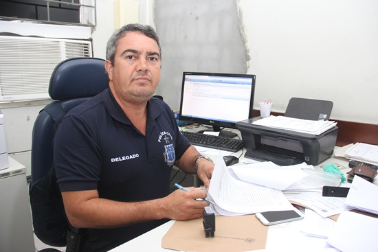 Delegado de Coité Getúlio Paranhos passou a noite e toda madrugada interrogando e apreendendo explosivos.