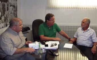 Visita do prefeito a Geddel Vieira Lima presidente do PMDB e seu irmão deputado federal Lúcio.