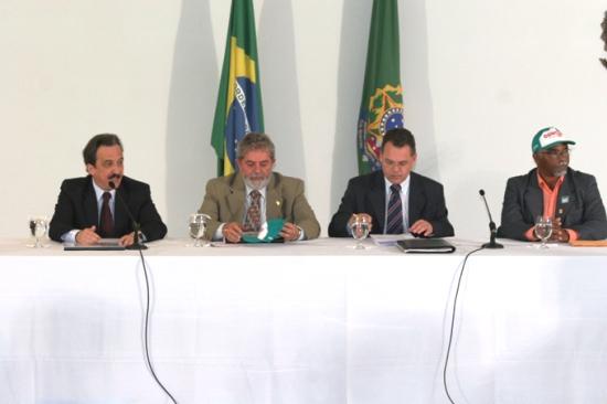 Mané como era chamado por Lula sempre esteve presente nas mesas de negociações quando o assunto dizia respeito ao campo.