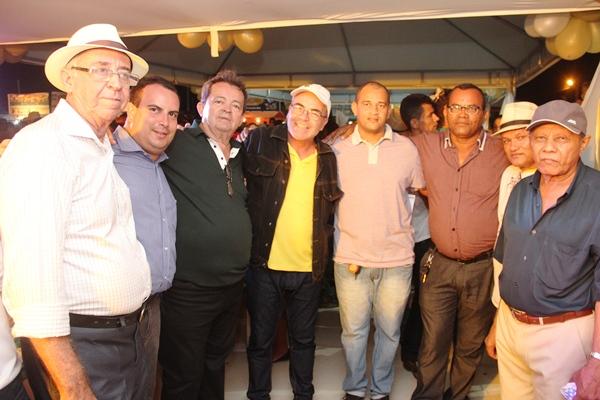 Vereador Marcos Batista comemorou também o espaço aberto para os evangélicos levar o louvor em praça pública.