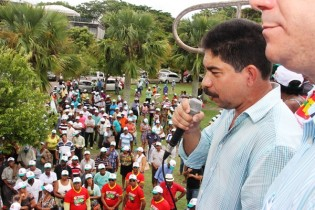 Tico pediu que os trabalhadores continuem participando das manifestações.