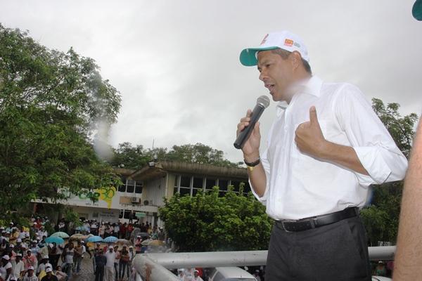 Jerônimo Rodrigues é oriundo do movimento popular e garante todo empenho pata atender os trabalhadores. Foto: Raimundo Mascarenhas