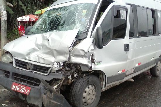 acidente br 324.2