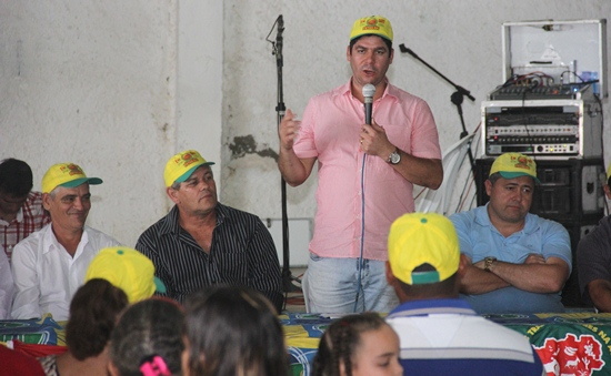 claudio visita Retirolândia na posse da nova diretoria - 3- foto- raimundo mascarenhas