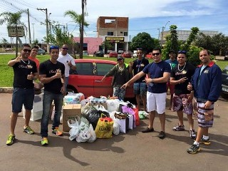 Membros da página Radar Santa Maria com doações para o eletricista que tentou furtar carne no DF alegando que queria alimentar o filho