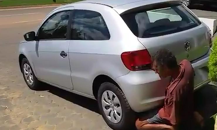 estuprador de carro