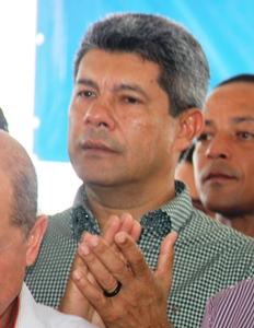 Jerônimo Rodrigues aplaude os investimentos realizados na Agricultura Familiar - foto- Raimundo Mascarenhas
