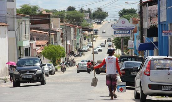 Avenida Getúlio Vargas sentido BA 120 não poderá seguir direto a partir do inicio do jardim do Bairro Açudinho.