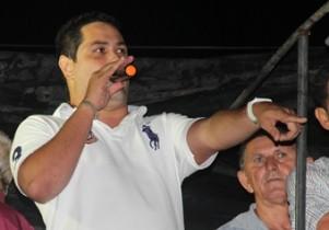 Vereador prometeu em público que o próximo passo será a construção de uma Praça em Riacho da Onça.