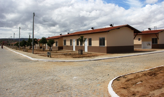 rui entrega casas do minha casa minha vida em tucano - 18 - foto- raimundo mascarenhas