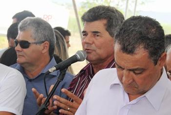 Gika Lopes parabenizou ao governador e ainda mais os beneficiários.