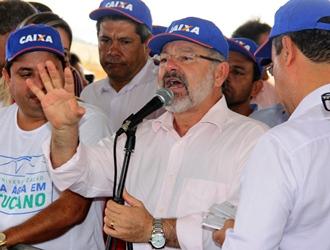 Natural de Antas, cidade não muito distante de Tucano, Marcelo Nilo disse que Rui em apenas 100 dias de governo já visitou cerca de 40 cidades do interior.