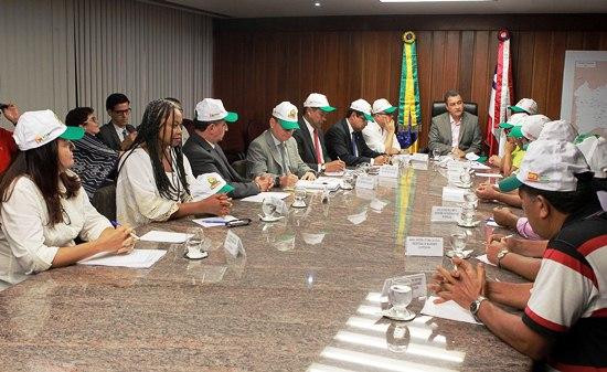 Governador Rui Costa em reunião com secretários e representantes do movimento Grito da Terra da Federação dos Trabalhadores na Agricultura no Estado da Bahia (FETAG). Foto: Carla Ornelas/GOVBA
