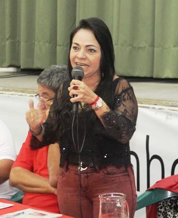 Moema se mostrou revoltada com o PMDB e a grande mídia.