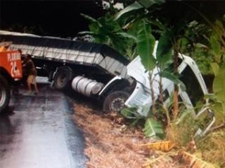 Carreta, que seguia para Guanambi,  transportava cimento