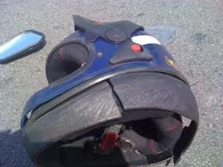capacete rachado