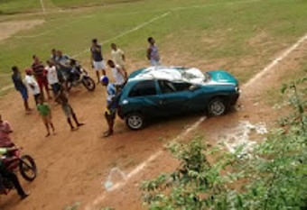 O motorista não ficou ferido.