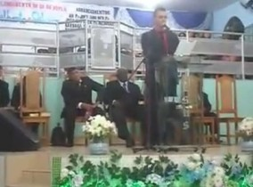 O religioso chegou a fazer uma pregação completa de mais de 5 minutos.