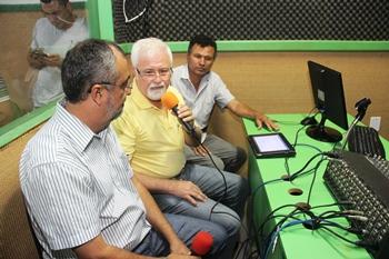 Prefeito Ismael Ferreira, presidente José Melquiades e locutor Tony Sampaio