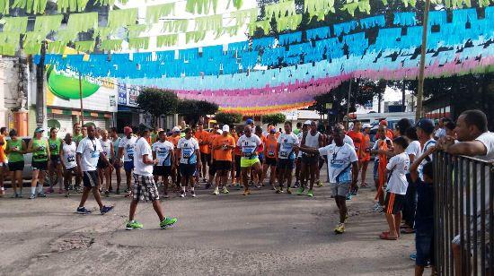 Centro ornamentado para mais um Pedrinho e a grande maratona do Viva Serrinha.