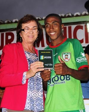 Deputada foi uma das incentivadoras da Copa e sempre está presente e apoiando a atividade esportiva.
