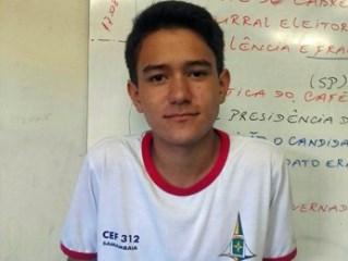 Lucas Yuri Bezerra, que devolveu carteira com R$ 1,6 mil achada no lixo