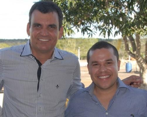 Zenonzinho assumiu prefeitura em 2013, após a saída de Júnior do Max, e aponta ex-prefeito como seu sucessor