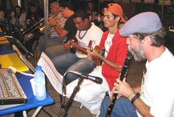 O Movimento da Quixabeira é cultura do samba de roda muito praticado no interior do Nordeste.
