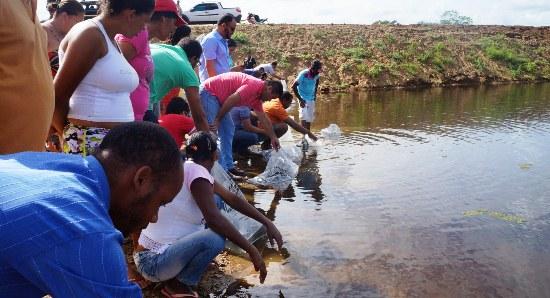 Peixamento da Barragem realizado por moradores e convidados