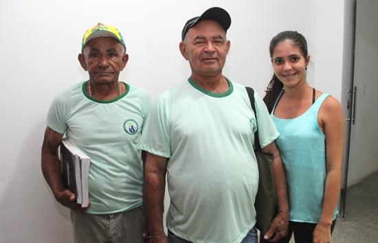 Da esquerda para á direita: Manoel Santos, Manoel Lima e a professora Laiane Leal.
