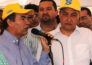 Prefeito Assis, prefeito de Serrinha Osni Cardoso e governador Rui Costa.