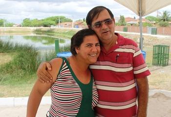 Rosania feliz por Chico ter atendido sua sugestão.