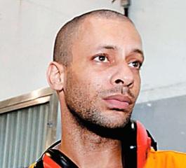 """""""Não quero que elas vejam que o futuro do pai delas é morto no meio da rua"""", diz Márcio"""