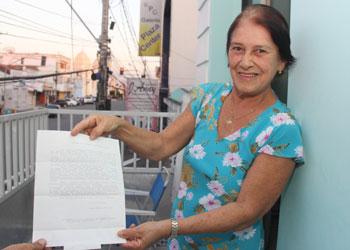 Dona Maria Jpsé exibe a certa que pode ser lida na integra após o texto da reportagem.