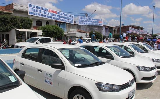 Sindicato mandou colocar faixas de agradecimento ao governador Rui e ao secretário Jeronimo.