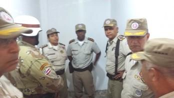 Comandante geral da PM a direita da foto, ao centro comandante do 16º BPM