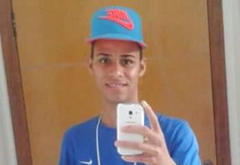 Foto mais recente do jovem, tirada neste domingo, dia do acidente.