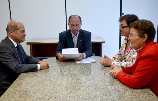 Joseildo Ramos esteve acompanhado do vice-governador João Leão e das deputadas Neusa Cadore e Fátima Nunes.